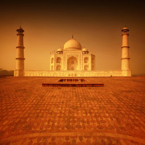 India 15 - The Mausoleum of Love 02