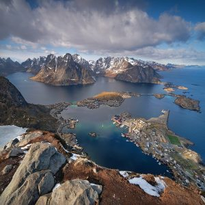 "Lofoten 33 - ""At the Top of the World Vol.2"" - Reinebringen, 448m"